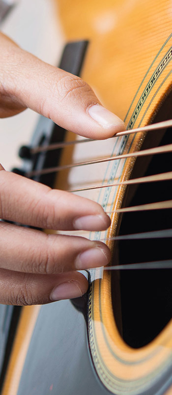Spanish Madness: A Taste of Classical-Style Fingerpicking